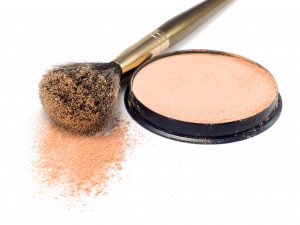 A few deft strokes of the right makeup can make your bust look bigger in next to no time!